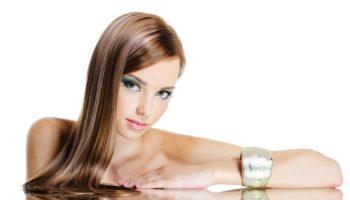 Combien de centimètres poussent les cheveux par mois et par an?