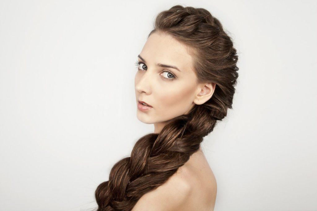 Comment épaissir les cheveux: conseils pratiques, soins cosmétiques et naturels